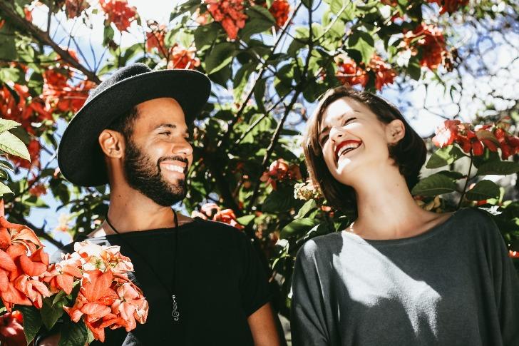 partner finden gemeinsam glücklich