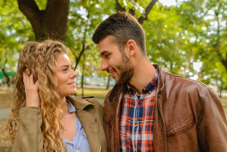 Partnerfinden Körpersprache